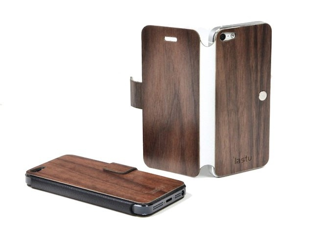 LastuCase for iPhone, hand crafted design with wood and genuine leather