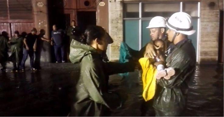 Bomberos rescatan a una niña de un edificio inundado en La Habana (VIDEO) #DeCubayloscubanos #bomberos #huracánIrma #inundaciones #LaHabana