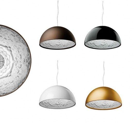Leuke lamp van Marcel Wanders voor in een (strakke)  hal of trapgat.