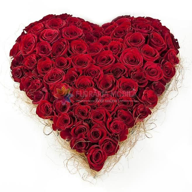 inima din trandafiri rosii spectacular red roses hart for valentine's day - luxury collection
