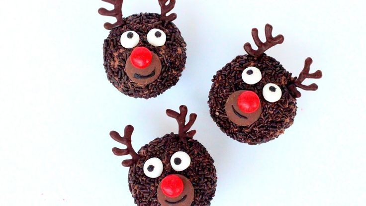 Rudolf the Rednosed Reindeer Cupcakes | Christmas Cupcakes