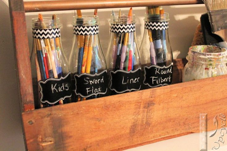 Artist paint brush holders with Starbucks bottles, chalk board labels and washi tape ~ Viral Upcycle