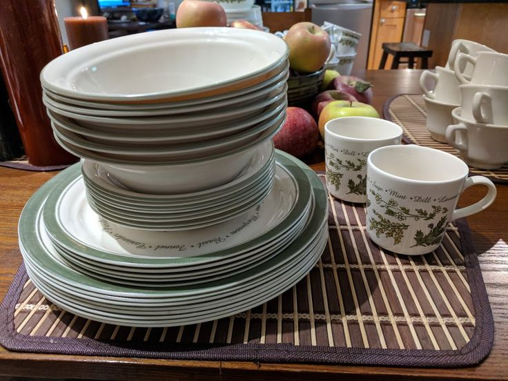 THYMELESS HERBS 2002-2010 Bowls 7 Cups 2 Saucers 8 Desert Luncheon & The 7 best Corelle images on Pinterest | Bowls Butterflies and Cups