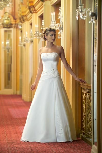 51 best the wedding athens images on Pinterest | Wedding frocks ...