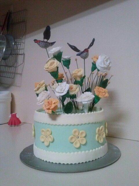#mumscake #roses #carnations #flowerbox #missyou #cake