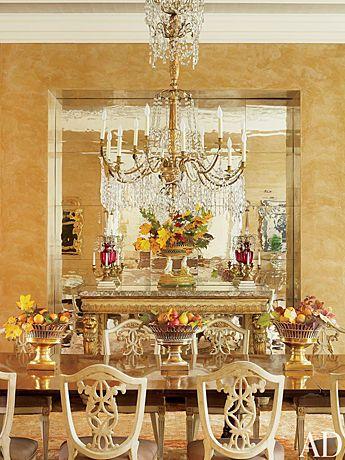 白やゴールドで優美でエレガントに。イギリス王室のまとめ
