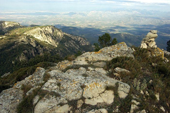 Foto de Del balneari de Cardó a la Roca Foradada i la Creu de Santos per la serra de Cardó