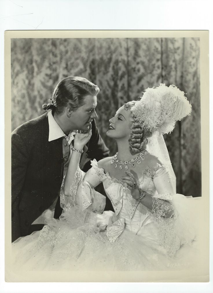 Vintage promo photo of Jeanette MacDonald and Nelson Eddy for New Moon (1940) - ESCANO COLLECTION
