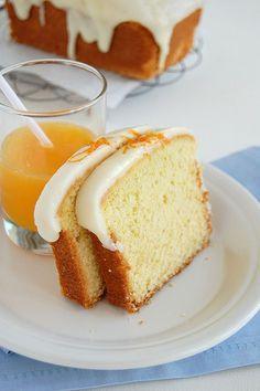 Orange cake / Bolo de laranja by Patricia Scarpin, via Flickr
