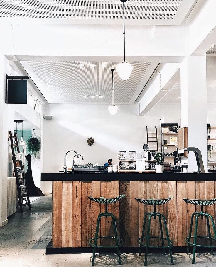 "43 mentions J'aime, 6 commentaires - Patricia Jordan (@patriciajordan_) sur Instagram : ""give me an aesthetic coffee shop and i'm all yours ☕️"""