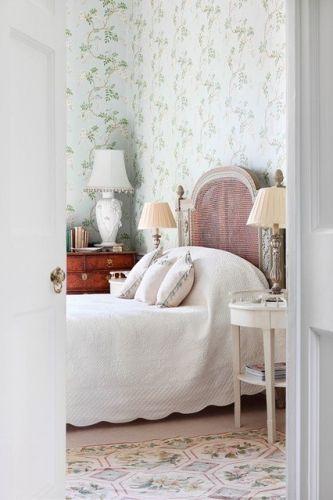 Tapet cu flori verzi pentru dormitor