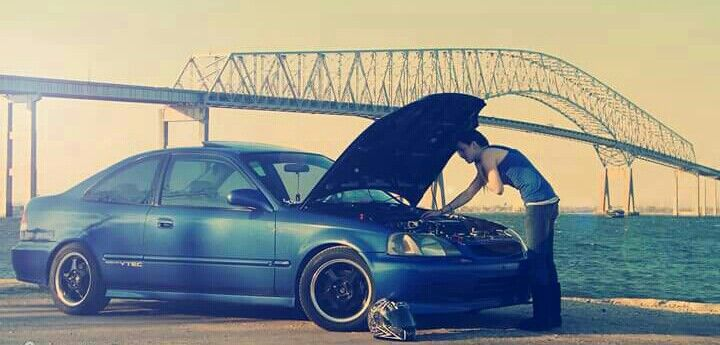 My baby (: My 1999 Honda Civic SI mild build B18C1 (swapped) Female Owned Female Driven Female Built Female raced Female MACHINED !!! All head work was machined by yours truely (:
