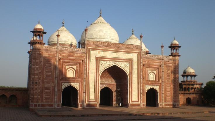 Un rayo de sol en el conjunto arquitectónico, del Taj Mahal.