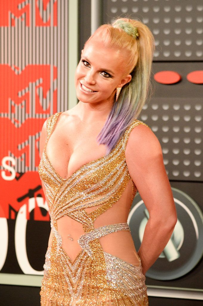 Britney Spears flashes a smile at the 2015 VMAs.