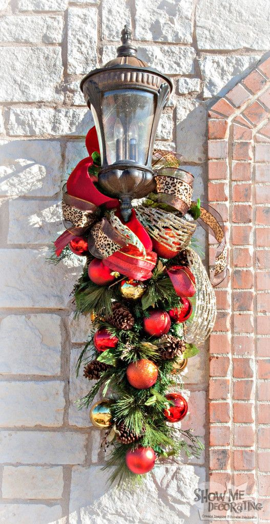 seasonal decorating blog for christmas holidays home decor and more show me decorating - Outdoor Christmas Lamp Post Decoration