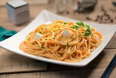 Queso Crema Philadelphia te ofrece el mejor sabor para tu familia e invitados con deliciosas pastas fáciles de preparar. Disfruta del spaguetti rojo.