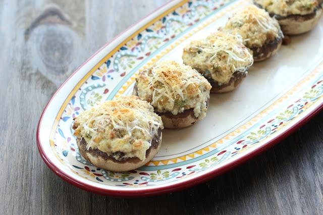 Jalapeno Popper Stuffed Mushrooms: Jalapeno Stuffed, Food Ideas, Elsa Cooking, Stuffed Mushrooms, Elsacook, Appetizers, Poppers Stuffed, Favorite Recipes, Jalapeno Poppers