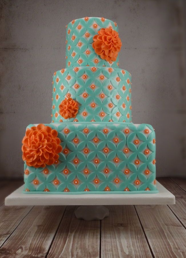 retro aqua and coral double ring cake