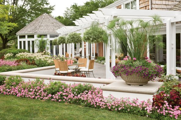 17 best images about container plants spring summer on pinterest window boxes shrubs and - P allen smith container gardens ...