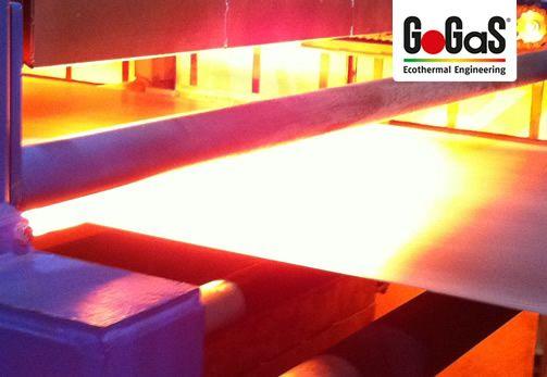 GoGaS Stahlbandtrocknung: Energieeffizienter Stahlbandtrockner in Betrieb. Weitere Informationen erhalten Sie unter porenstrahler.de oder unter www.radiantheating.de.