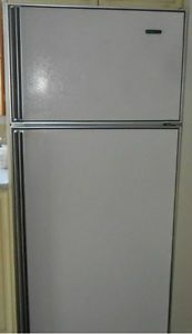 réfrigérateur, frigidaire, frigo,très propre, $100, doit partir! Trois-Rivières Mauricie image 1