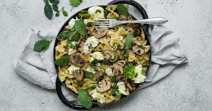 Pasta med svamp, mozzarella och brynt salviasmör