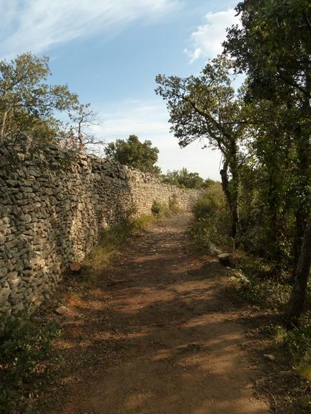 mur-pierre-seche, via Flickr.