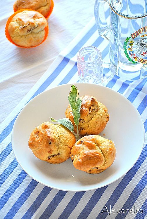 Αλμυρά muffins με μπέικον