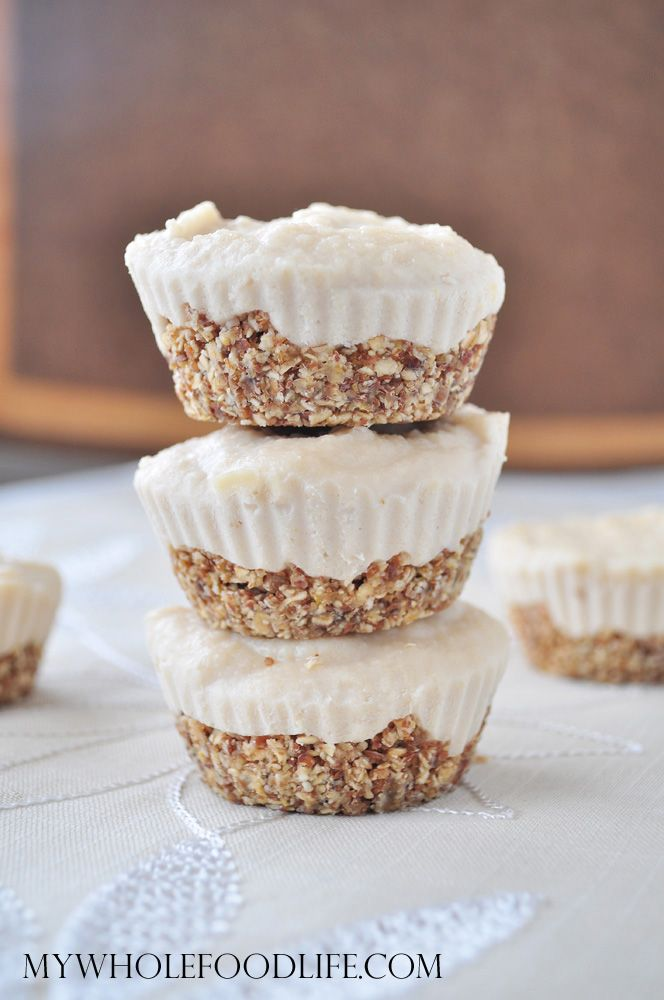 Mini Vegan Cheesecakes | My Whole Food Life. Cashews, dates, flax meal, maple syrup, coconut oil - YUM! #vegan #cheesecake