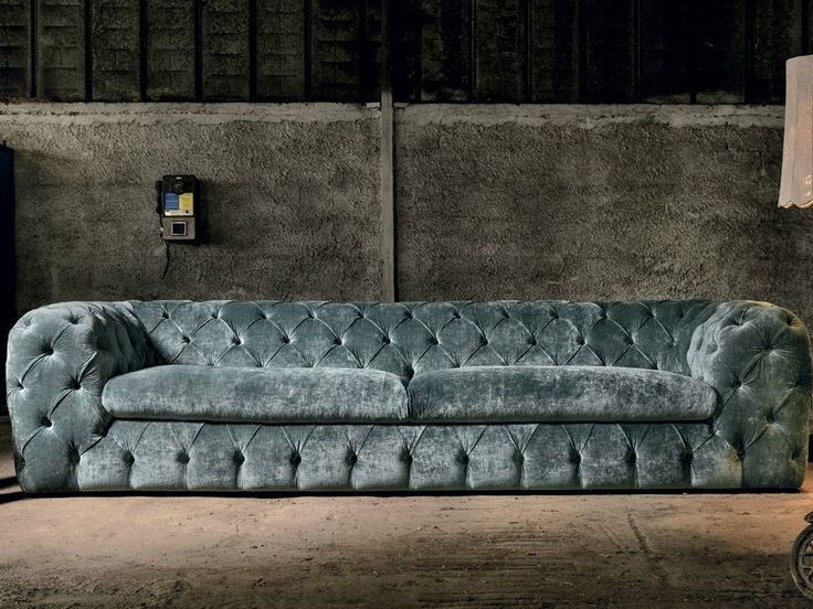 Tufted sofa AUTOGRAFO By Max Divani