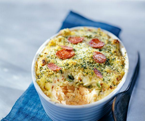 Cuisinez un parmentier à base de saumon et de poireaux. Retrouvez également des astuces du chef Cyril Lignac.