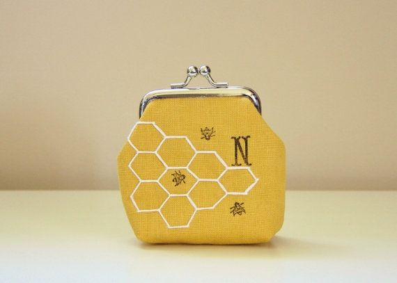 change purse with honeycomb