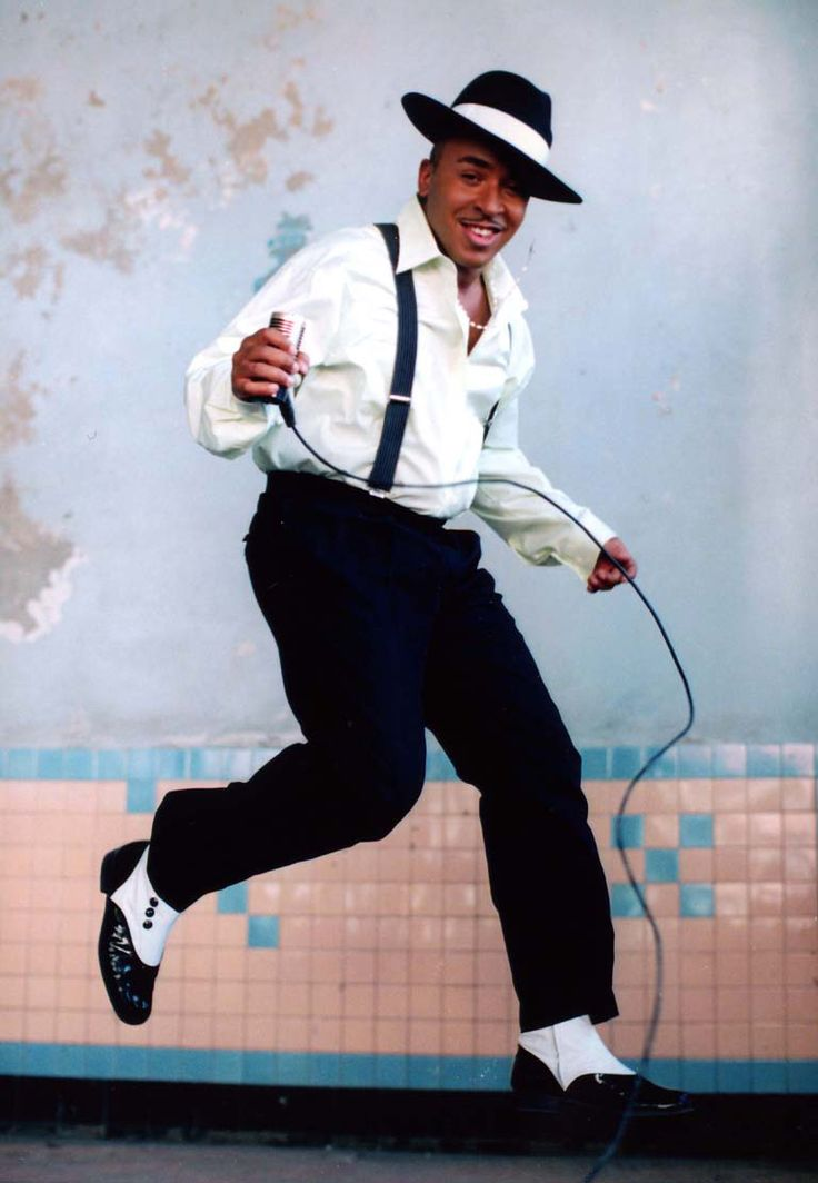 #ThrowbackThursday. We go back to 1999 when Lou Bega's cover of Mambo Nº5 went to Nº1 all over the world. The music video was a twerking paradise! Ladies and gentleman this is Mambo No 5: http://www.creation.com.es/appact/youtubvid/EK_LN3XEcnw