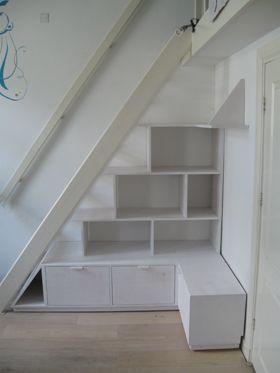 Trap zolder kast zolder ombouw slaapkamer pinterest search - Trap toegang tot zolder ...