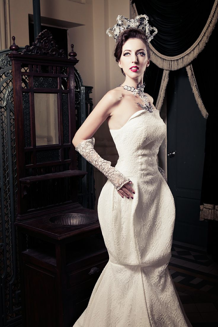 Strapless mermaid wedding dress in Blooming lace, with 3D mermaid gown. See more at: http://www.weddinginspirasi.com/2013/12/05/meera-meera-fall-2013-wedding-dresses/