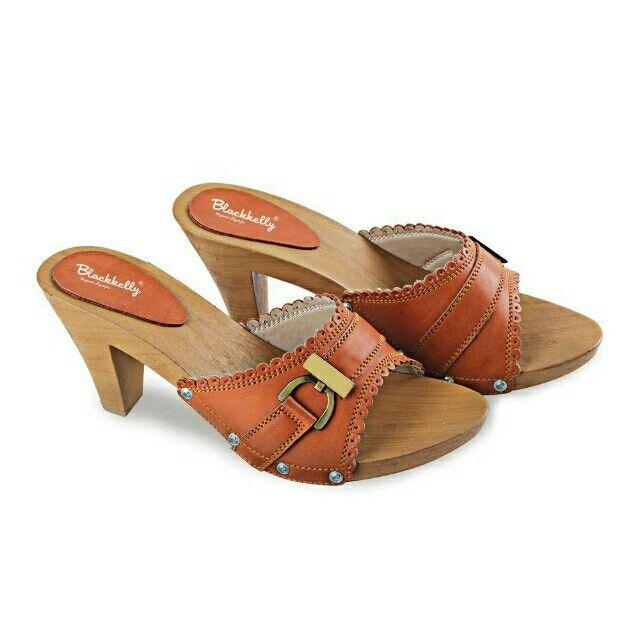 Open Order High heels branded Indonesia Blackkelly  #sepatuwanitakeren #sepatuwanitamurah #sepatuwanitabandung #blackkelly #blackkellyshoes #blackkellywanita Temukan High Heels / Wedges - LJI 725 seharga Rp 153.000. Dapatkan sekarang juga di Shopee! http://shopee.co.id/jimbluk/73568968 Untuk pesanan langsung hubungi WA: 081285793187 Line Id : jimbluk FP : @jimolsbogor IG : @jim_ols Insya Allah Amanah....