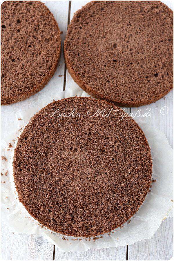 Zutaten: 185g Mehl 15g Kakao 1 Prise Salz 6 Eier (Zimmertemperatur) 200g Zucker (am besten Feinstzucker) 2 EL Butter (=...