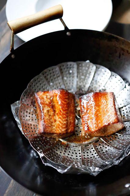 SALMON A LAS CINCO ESPECIAS Y AHUMADO EN TE (Tea-Smoked Five Spice Salmon) #RecetasConSalomon #RecetasDePescado #RecetasFaciles