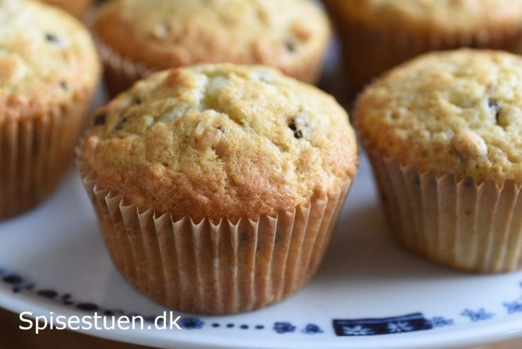 vaniljemuffins-med-havregryn-og-chokolade-1-24