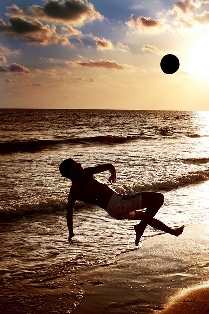One of my wishes on my bucket list, is to go to Brazil and play beach soccer!♥:-)