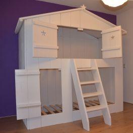 Leuk wit huisje waarin je ook nog kan slapen. Verkrijgbaar in steigerhout whitewash gerey wash en vuren