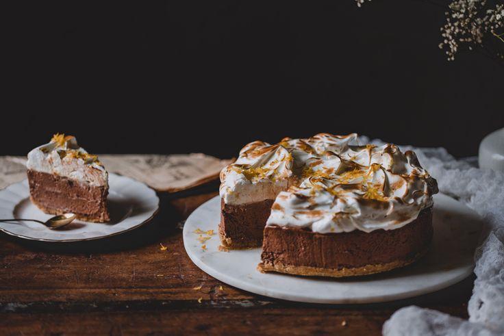 Appelsiini-suklaamoussekakku ilman liivatetta (V)