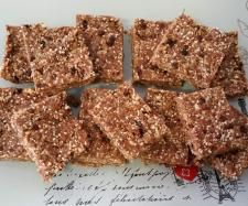 Recipe Raw Chocolate Crackle Slice (from 28 by Sam Wood) by selbel4 - Recipe of category Desserts & sweets