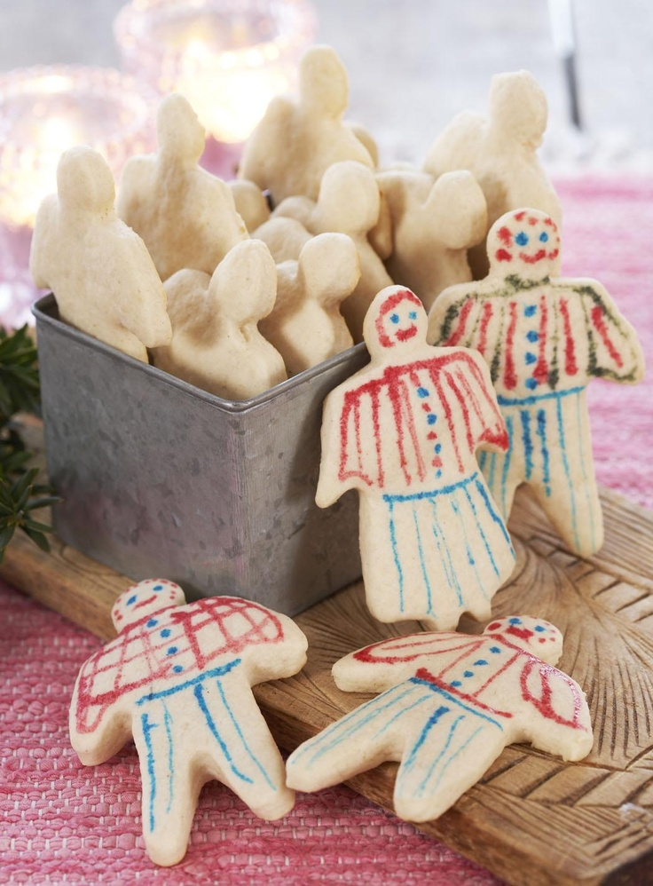 Kakemenn - Norwegian Christmas cookie men.  Crisp, not-too-sweet, and favourite among young and old.