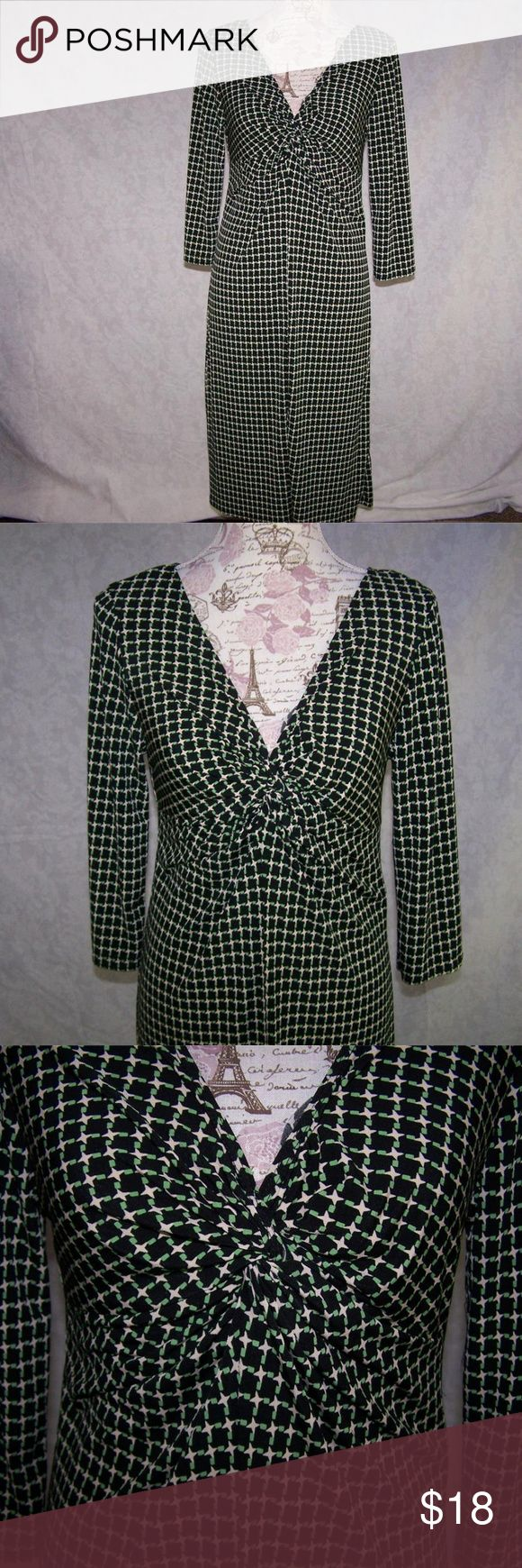 "TIANA B. Dress M Knotted Front V-Neck Stretch Tiana B. size medium dress knotted front 3/4 sleeves front & back v-neck stretchy  95%  polyester  5%  spandex hand wash  bust  32"" waist  30"" hip  38"" length  41"" sleeve length  17 1/2""  very nice Tiana B. Dresses"