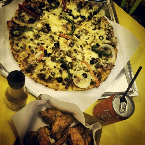 #pizza #hotwings