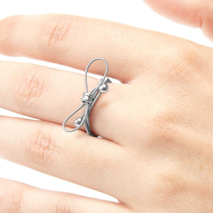 Guitar strings ring