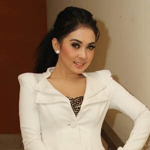 Syahrini (born in Sukabumi, August 1, 1980) is a singer and actress of Indonesian nationality. Syahrini spent her childhood in Sukabumi and she got a major in law from Pakuan University in Bogor