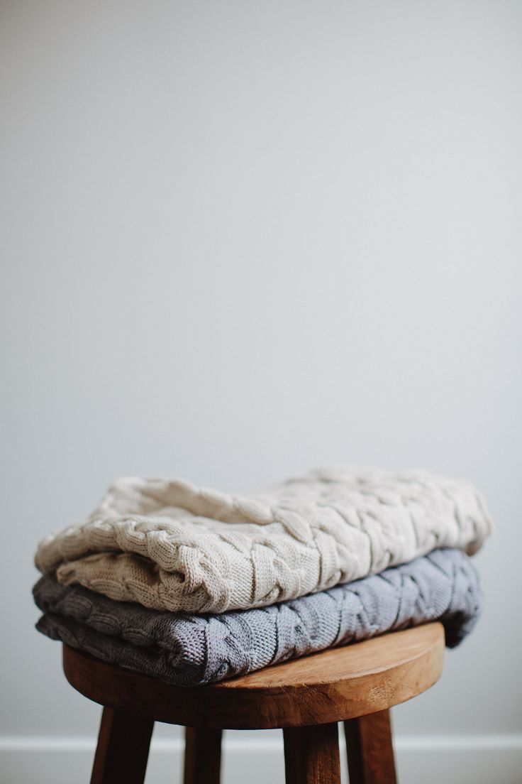Jude Australia #cableknit #purewool baby blankets in oatmeal and grey. Avilable at www.judeaustralia.com #australianmade