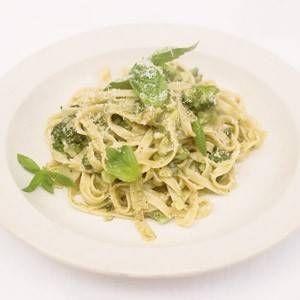 Recept Jamie Oliver Tagliatelle Met Broccoli En Pesto   Smulweb.nl